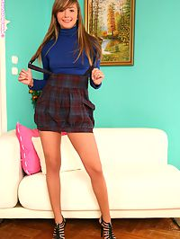 Jessika - Tantalizing Teen - Teen babe masturbates with dildo