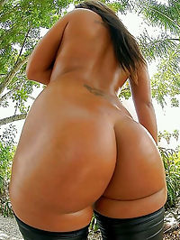 Perfect black pornstars fully nude