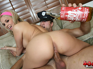Sarah gets big blonde ass and titties 40 oz bounced