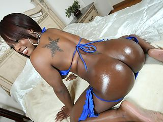 Busty ebony Jada Fire shows off her big round ass