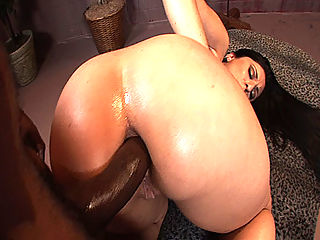 Huge booty Latina gets caveman style fuck up her ass