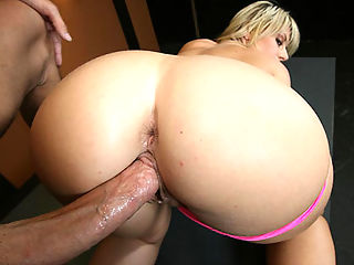 Women big butts nude — img 5