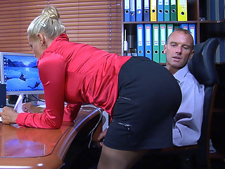 Hannah and BenjaminM awesome mom in action : Bigtitted milf coworker Hannah is clad in her red silky blouse and black pencil-skirt without any panties underneath to try and seduce this young office boy into a fuck. Benjamin M. swallows the bait very quickly, and soon he is all over Hannahs luscious massive boobs and soaking mature beaver. Then the studly dude bangs this horny mature bitch right on the working table as they go for a quickie in the office.