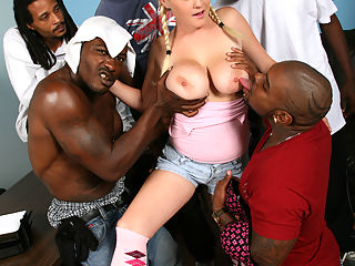 Amatuer blond in 5-on-1 interracial gangbang