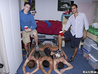 Gay college boys suck each others cock!