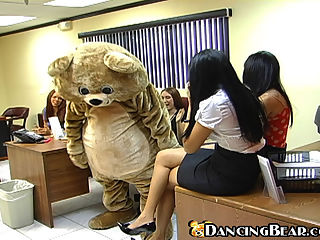 Girlfirends suck dick at the office