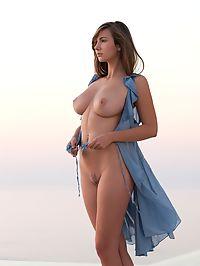 Simply Perfect : Josephine