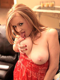 Anilos.com Indicagreenly - Anilos redhead stimulates her throbbing clit with a magic wand : Anilos redhead stimulates her throbbing clit with a magic wand