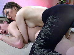 Crystal and Austin A nasty strapon action : Crystal is wearing nothing but her black patterned tights and a big sticking out rubber dick she uses to wake up her boyfriend Austin A. Now all hot and bothered too, the guy goes to blow that rubber hard-on to make it lubed up and prepared for his eager boy pussy. Then the babe takes the lead impaling that pussy onto her fake dick and almost destroying his once tight rectum.