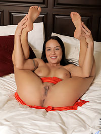 Anilos.com Mahinazaltana - Busty Anilos mommy rides her glass dildo like a champ : Busty Anilos mommy rides her glass dildo like a champ