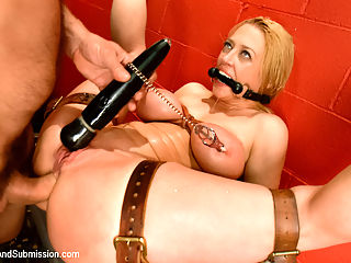 Latex Darling : Darling, one of the kinkiest and sexiest BDSM models of all times, returns for a super hot and intense scene with Roman Nomar who is also in full form here. Enjoy this amazing scene which includes heavy rubber, strict bondage, squirting orgasms, rough sex and deep anal!