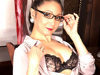 Anilos.com Kim - Kim is a naughty Asian secretary that loves pleasuring her pussy : Kim is a naughty Asian secretary that loves pleasuring her pussy