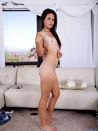 Nubiles.net Eden Thomas - Gorgeous girl next door makes her horny pussy fill up with creamy cum : Gorgeous girl next door makes her horny pussy fill up with creamy cum