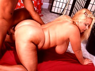 XL Origins : Before she was Samantha38G of My Big Plump Wedding and K-JUGS, the blonde sex star was just Samantha. This scene with Warren Piece was her first boy-girl and filmed in June, 2001. While other models are in it for a few years and move on, Samantha is still active and as popular as ever today. The mail regularly poured in about her. These comments are from 2002, way before social media on the web.br br B.K. One time I saw Samantha at a party in Pompano Beach, Florida and I did not talk or ask her to dance. I wish I could go back in time. She is a real hot mamacita.br br D.J. Samantha is awesome! Does she perform at a club or go on tour? Please tell me I can see her perform in person somewhere, anywhere! Nobody else can match her combination of a great body and a beautiful face.br br I didnt even start modeling until I was in my early 30s, Samantha said in 2007. Im not the typical model in the adult industry. Most start when theyre skinny and 18 years old. I started at 30 and at my fattest. I thought about it long and hard for a year because once you do it theres no going back. Your image is everywhere and youre limited in your job options afterward. I got my first cover with you. I didnt know how hard it was to get into magazines or to get covers, so Ive really been blessed with you.br Warren Piece was a truck driver in Tampa, Florida. He did porn scenes part-time while trying to get going full-time. Despite going to Los Angeles, it didnt work out in that cloistered scene and he returned to Florida. I figured if I get into porn, women arent going to want me. Warren told us. But I have found that to be untrue. Im always honest and upfront with them. I say, look, I do adult films. And they like it most of the time. Its actually been quite a surprise that women will still go out with me. By 2002, Warren was out of the porn stud life.br