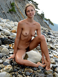 Extra slender nude blonde : Fantastically sexy sweetheart giving all she can for the perfect photo collection. Amazingly hot girlfriend on the nudist beach.