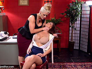 Dueling MILF Secretaries : Welcome back super MILF, Syren De Mer, and evil MILF domme, Holly Heart, to Whipped Ass. In this kinky lesbian role play Syren plays a secretary looking for a new job in Holly Hearts office where she has been the secretary for Mr. Dickinson for over 6 years! Its obvious Holly runs this office and she will stop at nothing to keep it that way! Hot MILF on MILF lesbian domination and rough sex with fisting, spanking, pantyhose and deep strap-on anal sex!