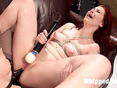 Casting Couch MILF talent recruiter initiates horny lesbian slut! : Real life adult talent recruiter, Simone Sonay, exercises her perverted desires on first time Whipped Ass model, Charli Piper with OTK, finger banging, rope bondage, face sitting, anal-strap-on fucking and multiple orgasms!