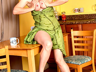 Anilos.com Artemisia - Short haired mommy spreads her hairy pussy in the kitchen : Short haired mommy spreads her hairy pussy in the kitchen