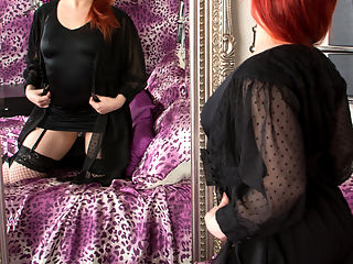 Anilos.com Poline - Hot redhead teases her juicy twat until she cums : Hot redhead teases her juicy twat until she cums