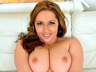 Voluptuous mommy Daria Glower has some of the most mouthwatering natural breasts ever but what will really enthrall you is the way she wiggles her round booty when she gets close to orgasmic release