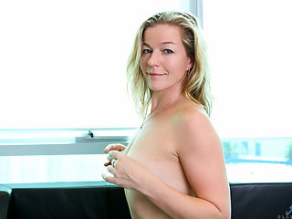 Anilos.com Claudia - Beautiful MILF with perky tits spreads her wet twat : Beautiful MILF with perky tits spreads her wet twat