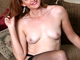 Anilos.com Camillejohnson - Cock hungry mommy teases her tight shaved twat until she cums : Cock hungry mommy teases her tight shaved twat until she cums