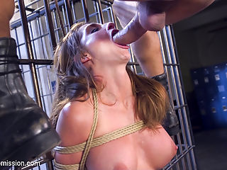 Anal Tourist Trap : When Silvia Saige is caught South of the Border holding a wad of cash and a bag of contraband, Federale Roman Nomar punishes the tourist with bondage, hard anal sex, humiliation and imprisonment.
