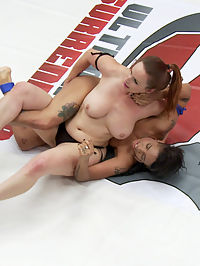 The Annihilator takes on The Machine in 100 competitive sex wrestling : Bella Rossi is back for another season and she is ready to take on the rookies and make them cum on the mats. Today she is given Jessica Creepshow, The Machine Jessica has never wrestled before but with a little coaching from Ariel before the match and between rounds, she picks up a lot of skill and rolls Bella Rossi around.