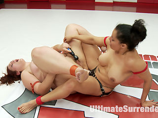 Big Trouble for Little Diabla : Izamar Gutierrez is taking on the biggest girl on our Roster. Mimosa is over 200lbs of voluptuous woman!This BBW brings the heat to Izamar. Winner rides the loser hard in a hard core round 4. Tit slapping, Spanking, Pussy fucking and Anal orgasms