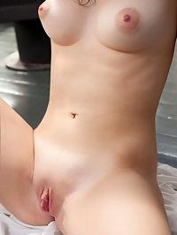 Visit Petite Nude.