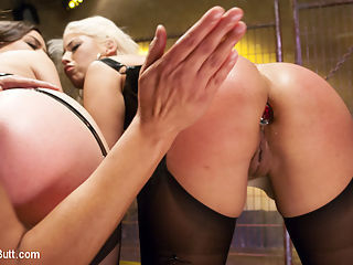 Big Booty Latina pushes her Anal Boundaries for Everything Butt Fans : Beautiful, Blond, Latina, Bridgette B, is here today to try new things with her asshole. This is her first Everything Butt and she wanted to challenge herself. Juliette March is here to seduce her and make her feel good while we do filthy things to her asshole. Francesca Le is the ring leader and opens this up with some nice spanking and Face sitting. Bridgette smoothers Juliettes face with her big round ass. These girls try full insertion of the slink, the speculum, anal fisting and giant anal strap ons. Bridgette tries so hard to take everything she channels her inner Latina and starts screaming sexy shit in Spanish.