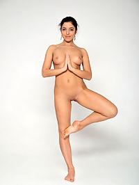 Yoga : Bree H.