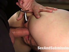 The Recipient : When gorgeous Nickey Huntsman is snatched by an underground erotic slave trader, she wakes up in the dungeon, being assessed by the man who will judge her worth on the sexual market. Tommy Pistol works over the beautiful and nubile Nickey Huntsman with hard bondage, chains, face fucking and rough anal sex.