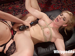 Blonde Bombshell bound, spanked and anally fisted! : Porn editor Dahlia Sky falls asleep at her computer while editing a kinky lesbian porno starring dominatrix Lorelei Lee. Dahlia wakes up in a dream fantasy filled with bondage, spanking, face sitting, finger banging, pussy and anal strap-on fucking, and an intense anal fisting!