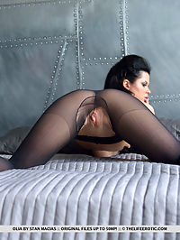 Passionate Nylons : Passionate Nylons featuring Olia by Stan Macias