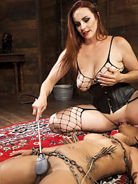 Mistress Bellas New Toy : Mistress Bella Rossi breaks in another sexy submissive slut with rope and chain bondage, spanking, flogging, caning, face sitting, pussy licking, a zipper, and pussy and anal strapon fucking!