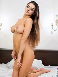 Anilos.com Karen - Seductive cougar gets hot and horny in bed finger her tight twat : Seductive cougar gets hot and horny in bed finger her tight twat