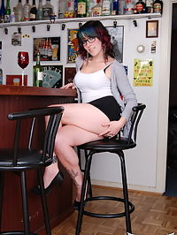 SpunkyAngels Horny tease Sabrina does not like to wear panties as she has a few drinks at the bar before getting naked : Horny tease Sabrina does not like to wear panties as she has a few drinks at the bar before getting naked