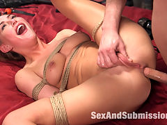 Control Issues : When a beautiful and aspiring model gets a chance to advance her career, her unstable and controlling boyfriend intervenes in her life to keep her at his side. Carter Cruise and Seth Gamble look like a power couple, but their underlying twisted sexual dynamic is revealed when Carter tries to break away from the relationship. This update includes rough anal sex, bondage, BDSM, domination and submission.