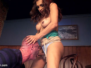 Voyeuristic Transexual Fuck : Jessy Dubai catches her man ogling another womans tits in a bar. She decides to show him who is boss by giving him a deep hard fuck with her raging hard cock while the other woman watches! Hard TS fucking, deep gagging blow jobs, pile driver pounding and a huge fat TS load that only Jessy Dubai can deliver!