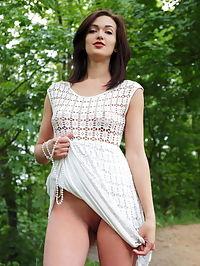 Raleti : Lara D Raleti by Iona
