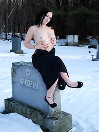SpunkyAngels Perky babe Emily Love celebrates Halloween from the creepy cemetery in the snow : Perky babe Emily Love celebrates Halloween from the creepy cemetery in the snow