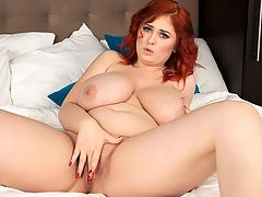 The Hot Redhead : I think its impossible not to pay attention to my chest, big-boobed and beautiful redhead Alexsis Faye said. I simply love it. br br If banana-eating contests are held in Alexsis home town, she should enter them. Shed definitely win in our opinion after seeing this video.br br Alexsis is comfy in bed and wakes up to find a selection of fruit by her lovely feet. She cant resist peeling one of the bananas to put in her sexy mouth.br br Alexsis loves going to different countries on holiday and going to music festivals where she can bounce up and down. Who would care about music upon seeing her at a concert? br br What about just regular dating? What fills her with anticipation?br br I get a little excited when I go on a blind date and I dont know who is coming.