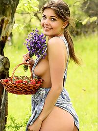 Kaitlin Bluebell