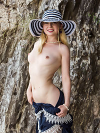 Rock Climb : Taylor Rock Climb by Erik Latika