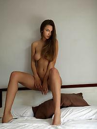 Bronzed : Elin Bronzed by Natasha Schon