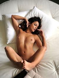 Round Bed : Joy Lamore Round Bed by Artofdan