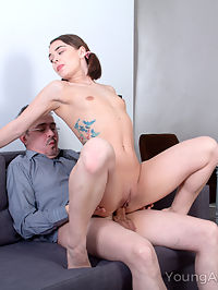 Babe rewards old teacher with a crazy fuck action : Sweetie begs old teacher to satisfy her needs in exchange for a passionate blowjob and sex rideRead more!
