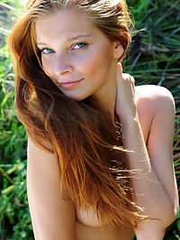 Beautiful Day : Indi flaunts her gorgeous, naked body and alluring beauty with a warm, engaging smile outdoors.