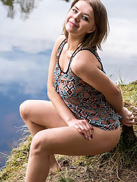 Crenca : Yelena strips by the river baring her curvy hips and big tits.